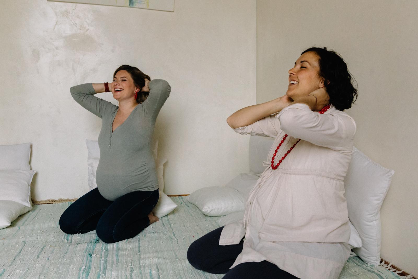 Movimento yoga e respirazione in gravidanza